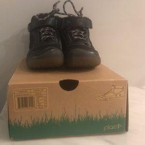 Plae Waterproof hiking boots